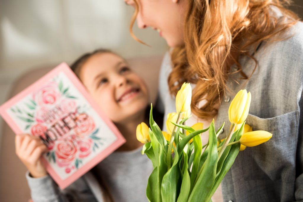 custom mothers day greeting card